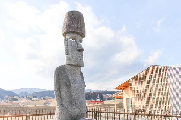 南三陸町に設置されている本物のモアイ像 (イースター島から贈呈)
